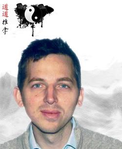 Portrait de Jean-François Wils avec logo Tao Tao